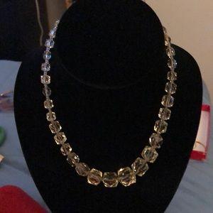 Jewelry - 🆕 Vintage Very Pretty Yellow Necklace